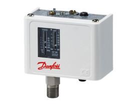 779-automatico-danfoss-serie-kp36-para-compressores-parafuso-1